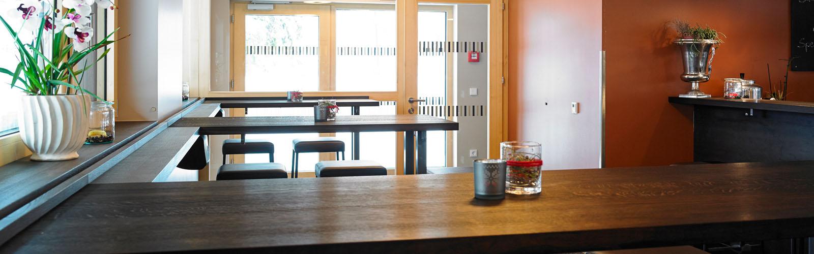 Sport Milanovic - Cafe mit Sonnenterrasse