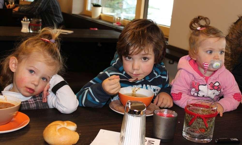 Sport Milanovic - mit Kindern essen im Klostertal